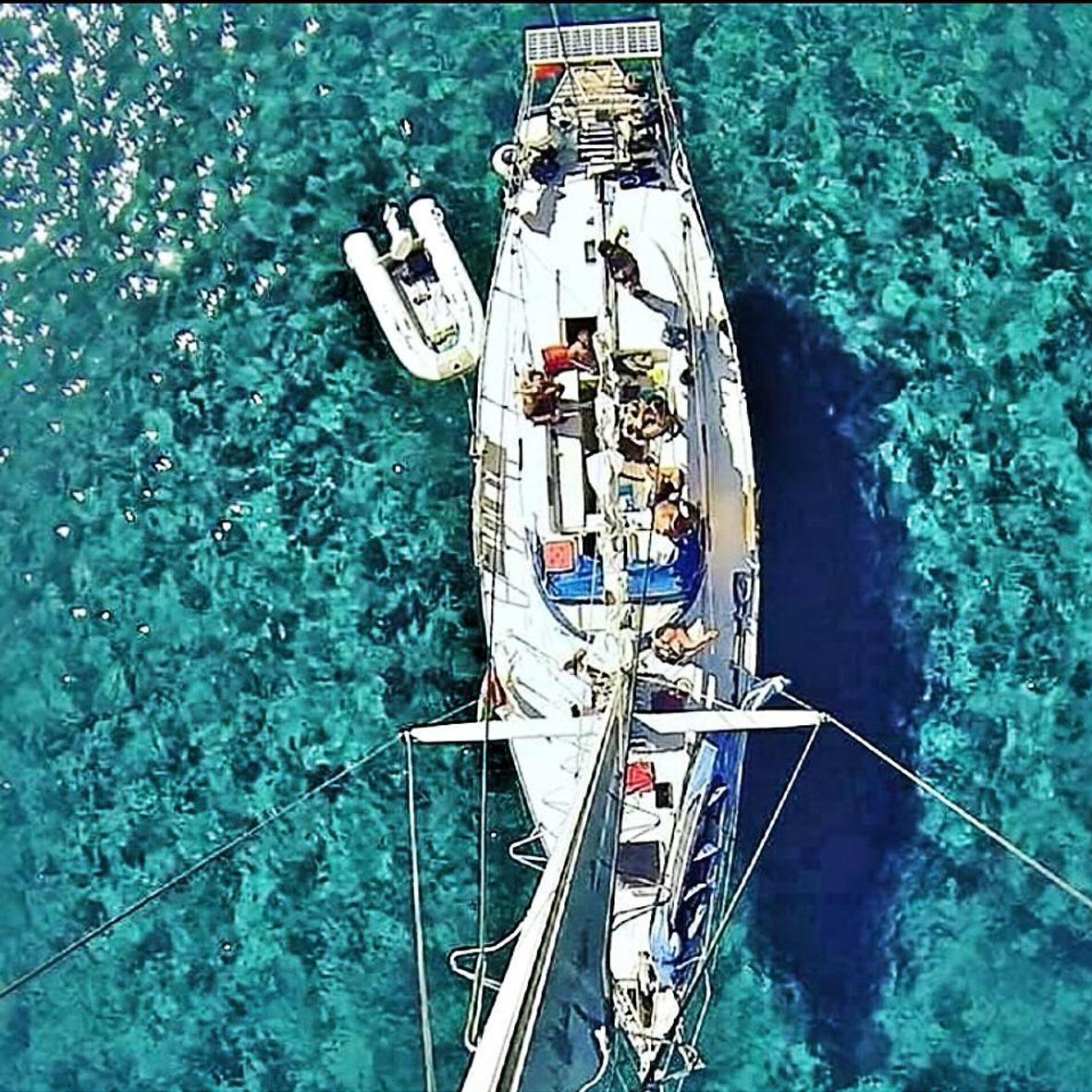 Elba in barca a vela