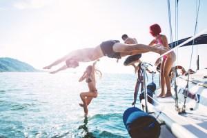 8-Sconosciuti-a-Bordo-by-charter-yacht-4